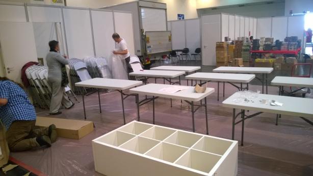 ...und Tische aufbauen